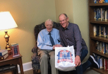 tom grieve of texas rangers fame visits 106 year old veteran for birthday