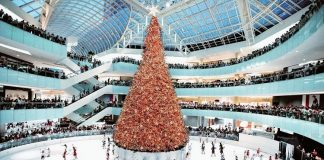 galleria dallas christmas tree tallest indoor christmas tree in the usa
