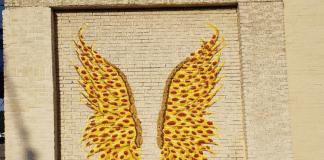 garland pizza wings mural
