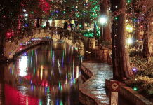 san antonio river walk holiday lights 2020