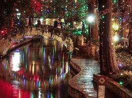 san antonio river walk holiday lights 2020