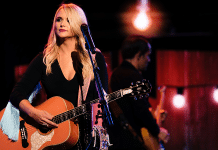 miranda lambert on stage