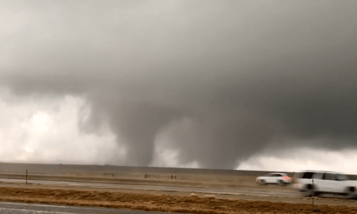 Texas panhandle twin tornadoes touch down
