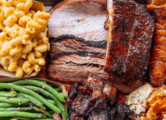 hurtado barbecue plate mac and cheese green beans